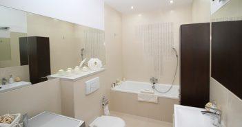Salle de bain avec w.c. broyeur