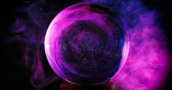 voyance avec boule de cristal